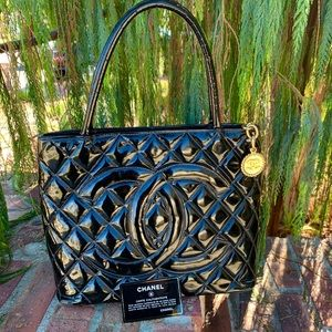 🆕CHANEL Most Popular Medallion Tote PatentLeather
